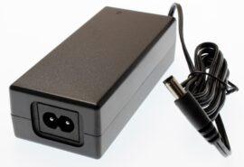 ZASILACZ PRO 12V 2A DESKTOP 3 LATA GW. 1,5m + kabel AC